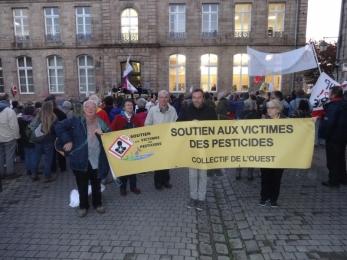 20 octobre 2017 - soutien faucheurs volontaires à Guingamp