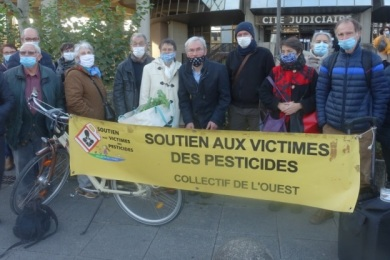 26 novembre 2020 : soutien à Jean claude, Annick et Christophe au TJ à Rennes