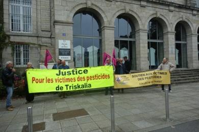 30 septembre 2019 - soutien à N. POULIQUEN au TGI à Vannes